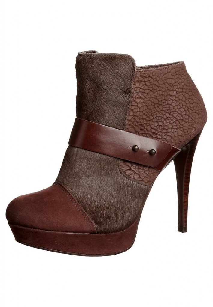 Boots marron cuir talons Via Uno