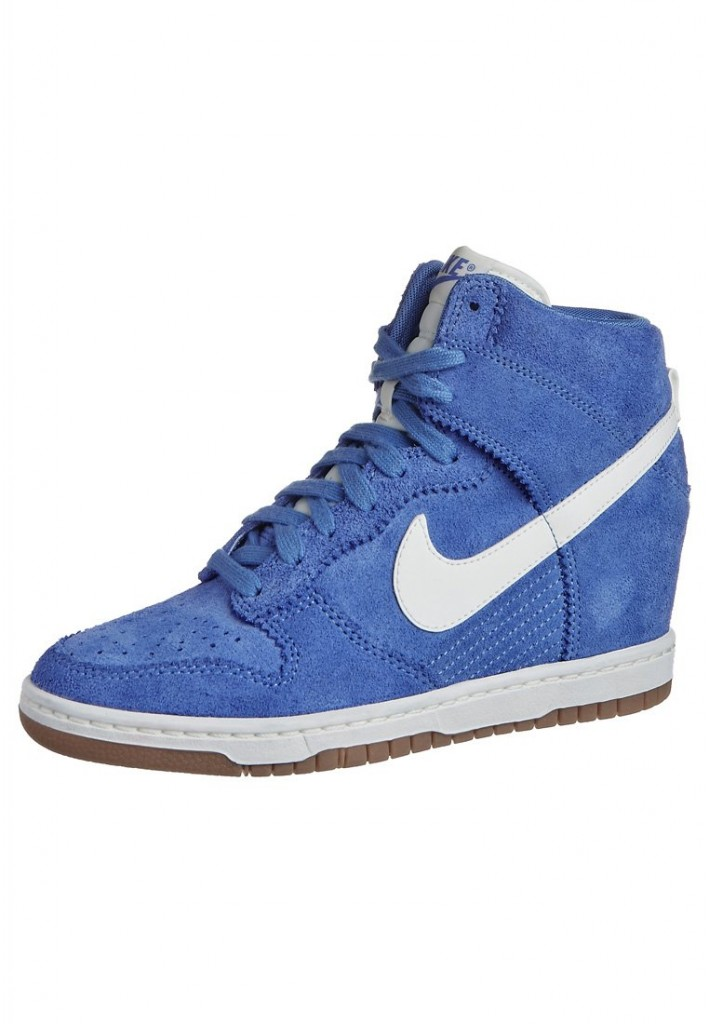 Baskets Dunk Sky High Nike bleu