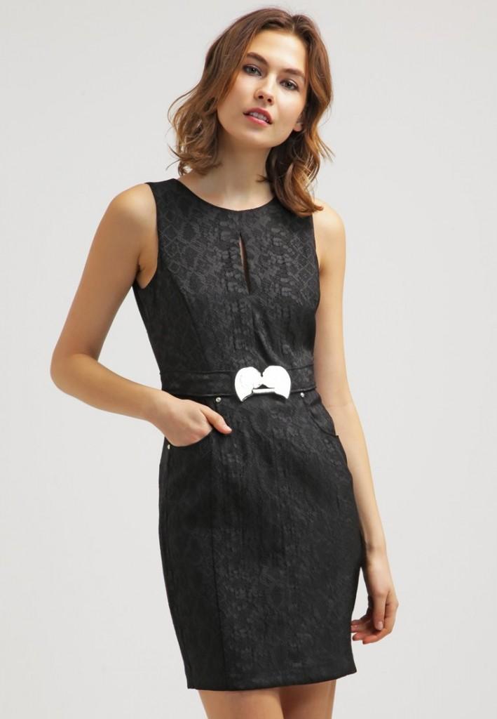 Robe noire fourreau Versace