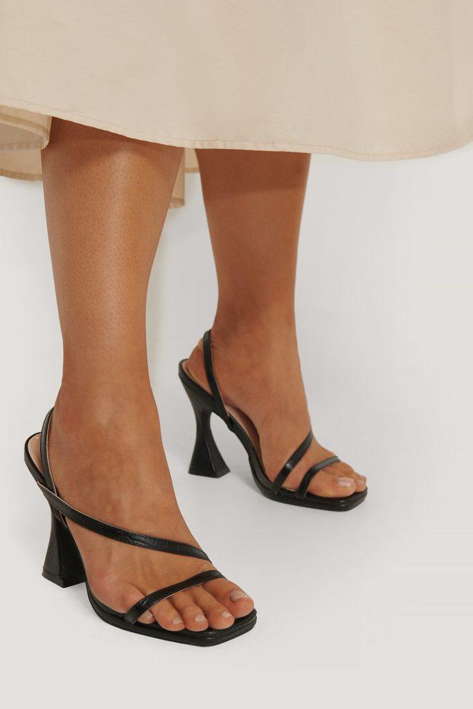Sandales lanières noires talons bobines